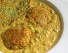 Creamy spiced potato and paneer cheese dumplings served in a rich and fragrant tomato cream sauce — a north Indian classic Indian Food Recipes, Vegetarian Recipes, Cooking Recipes, African Recipes, Vegetarian Curry, Indian Foods, Liberia, Tomato Cream Sauces, Tomato Sauce