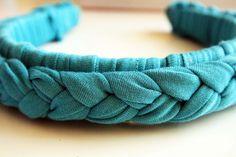How to make a braided headband (via http://alisaburke.blogspot.com/)