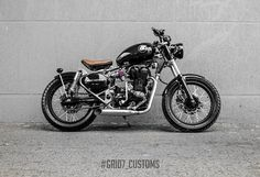 #RoyalEnfield #Classic350 'Brat Bobber' by Grid7 Customs