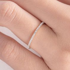 Diamond Wedding Band Women Rose Gold Eternity Band Stacking Bridal Diamond Thin Micro Dainty Simple Everyday Minimalist White Gold – Jóias com Diamantes para Engajamento Rose Gold Eternity Band, Eternity Bands, Diamond Wedding Rings, Diamond Bands, Gold Bands, Gold Wedding, Bridal Rings, Trendy Wedding, Rose Gold Band Ring