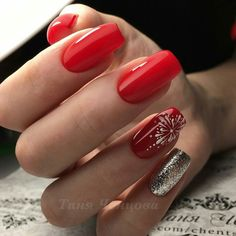 All of these nail designs and styles are as easy as they are charming. For anyone who is always trying to find options and new designs, nail art designs are a way to display your individuality and to be original. Nails Now, Polygel Nails, New Year's Nails, Red Nails, Cute Nails, Pretty Nails, Nail Art Designs Videos, Nail Designs Pictures, Simple Nail Art Designs
