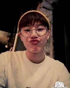 Vanilla Protein Shakes, Boyfriend Photos, Fandom Kpop, Yuehua Entertainment, Boyfriend Material, My Sunshine, Cute Wallpapers, Husband, Instagram