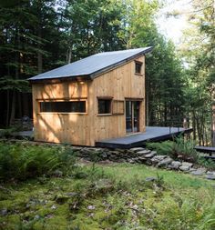 Cabins and Cottages Tiny Cabins, Tiny House Cabin, Cabins And Cottages, Tiny House Living, Tiny House Plans, Cabin Homes, Tiny Houses, Cabin Design, Tiny House Design