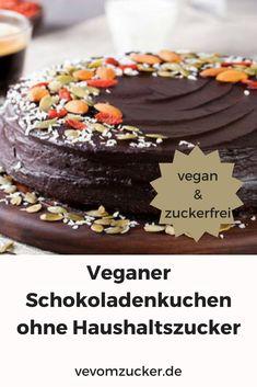 """Juhuuu! Die Mädels und Jungs von """"TOTALVEGAN"""" haben sich die Mühe gemacht und einen köstlichen Schokoladenkuchen für """"Veg vom Zucker"""" gebacken. Das Rezept ist wie immer rein pflanzlich und kommt selbstverständlich ganz ohne Haushaltszucker aus."""