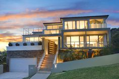 Beacon Hill, NSW  Sales Agent - Peter Mosedale Raine & Horne Dee Why/Collaroy Real Estate Agents  9971 9000 17/10/13