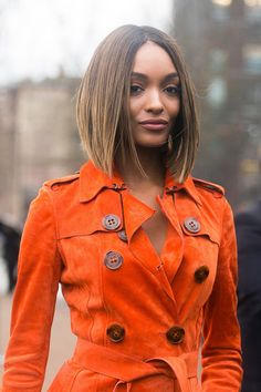 Jourdan Dunn with a perfectly sleek long bob Middle Part Hairstyles, Cute Hairstyles For Short Hair, Down Hairstyles, Straight Hairstyles, Short Hair Styles, Bob Styles, Middle Part Bob, Middle Hair, Middle Parts