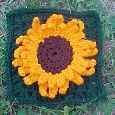 Julie's Sunflower Square | AllFreeCrochetAfghanPatterns.com