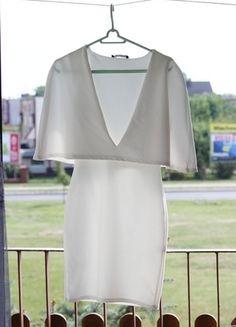 Kup mój przedmiot na #vintedpl http://www.vinted.pl/damska-odziez/sukienki-wieczorowe/9978730-hit-sukienka-biala-z-falbanka-u-gory-obcisla
