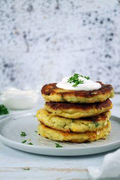 Kukoricás burgonyalepény - Szotyi művek Salmon Burgers, Breakfast, Ethnic Recipes, Food, Morning Coffee, Essen, Meals, Yemek, Eten