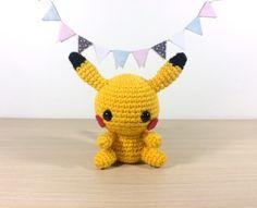 patron ,modèle en français du petit amigurumi pikachu (pikatchu) tout mignon (kawaii, traduction)
