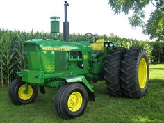 Orginal 3000 hours on Tractor. We have aftermarket tractor parts and manuals for John Deere 4020 After tractors. Antique Tractors, Vintage Tractors, Vintage Farm, Old John Deere Tractors, Jd Tractors, John Deere 4320, Welding Trucks, Tractor Pictures, Tractor Implements