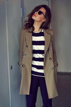 8 Styling-Geheimnisse, die wir uns von den Französinnen abschauen sollten What we can look away from the style of French women! Parisian Chic: That's how you style the look Style Work, Mode Style, Style Me, Classic Style, Fashion Moda, Cute Fashion, Look Fashion, Woman Fashion, Fashion Shoes