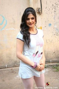 Top 5 Erotic Girls with biggest boobs in Bollywood with Bra Size Indian Film Actress, Indian Actresses, Zarine Khan, Bollywood, Indian Models, Beautiful Models, Beautiful Ladies, Celebs, Celebrities