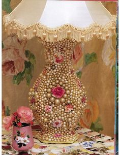 Shabby Chic Embellish for Lamp using Vintage Costume Pearls vintage pretty pearls diy craft handmade project lamp shabby chic costume jewelry Vintage Lamps, Vintage Shabby Chic, Vintage Roses, Vintage Pearls, Vintage Brooches, Style Boudoir, Vintage Jewelry Crafts, Jewelry Art, Jewelry Accessories