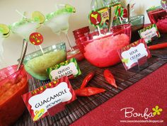 Casos & Coifas de Bonfa//Cool party decorations! #mexican #fiesta