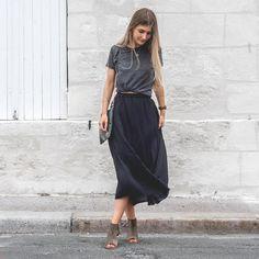 Langer Rock ➕Wildes Haar - Fashion // Her Look - Skirt Ideas Work Fashion, Modest Fashion, Fashion Outfits, Womens Fashion, Modest Clothing, Fashion Fashion, Mode Cool, Casual Skirt Outfits, Dress Casual
