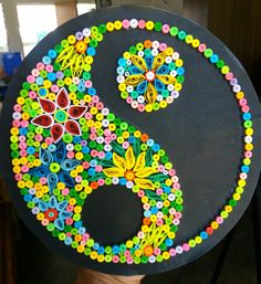 Quilled Yin Yang Paper Quilling Cards, Origami And Quilling, Quilled Paper Art, Paper Quilling Designs, Quilling Patterns, Quilling Art, Diy Crafts Hacks, Arts And Crafts Projects, Quilling Photo Frames