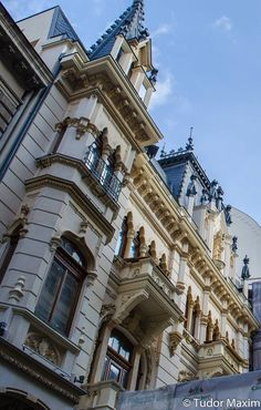Edgy and eclectic, Bucharest is worth visiting in all seasons. You will find many things to do in Bucharest during the summer season. Beautiful Castles, Beautiful Buildings, Danube Delta, Visit Romania, Romania Travel, Bucharest Romania, Top Destinations, Beautiful Architecture, Things To Do