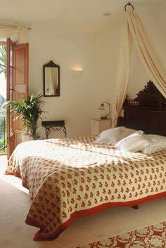 We would love to stay at this super cozy and romantic hotelroom! Cas Xorc Boutique Hotel & Restaurant. Soller, Spain