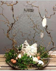 Pin by Mariëtte Blom-van Dam on Bloemschikken Ideas Actuales, Diy Osterschmuck, Easter Flower Arrangements, Diy Easter Decorations, Diy Decoration, Hoppy Easter, Vintage Crafts, Easter Party, Easter Wreaths