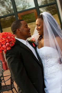40 R&B First Dance Songs #weddings #R&B #songs WeddingMuseum.com