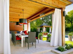 Outdoor porch curtains - There is no doubt that the best time to enjoy a pergola or a garden gazebo is when the good weather begins. Outdoor Curtains For Patio, Outdoor Screens, Outdoor Lounge, Outdoor Rooms, Outdoor Living, Outdoor Fabric, Outdoor Decor, Outdoor Sectional, Outdoor Areas