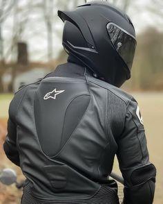 Motorcycle Helmet Design, Biker Helmets, Motorcycle Suit, Ducati, Yamaha, Valentino Rossi Helmet, Bike Photoshoot, Honda, Masked Man