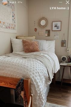 College Bedroom Decor, Cool Dorm Rooms, Room Ideas Bedroom, Small Room Bedroom, College Dorm Rooms, Dorm Room Themes, Bedroom Inspo, Dorm Design, Dorm Room Designs