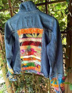 Embellished Jeans, Embellished Jackets, Denim Ideas, Denim Crafts, Colored Denim, Hippie Boho, Bohemian, Hippy, Denim Jackets