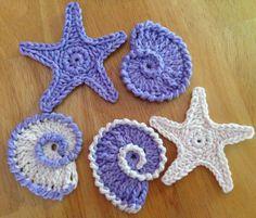 Free stars and conch shells crochet patterns Da's Crochet Connection: Sea Shell Motifs/Garland Crochet Starfish, Nautical Crochet, Crochet Fish, Freeform Crochet, Love Crochet, Crochet Motif, Crochet Crafts, Yarn Crafts, Crochet Stitches