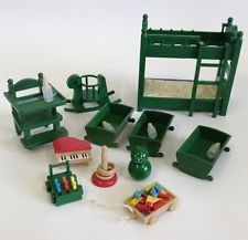 Sylvanian families bedroom set I don't remember the high chair. I still have the rest though