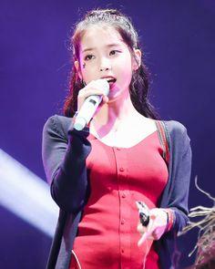 Korean Idol Fake, Korean Music, Korean Women, Korean Girl, Kpop Girl Groups, Kpop Girls, Iu Fashion, Japan Girl, Picture Poses
