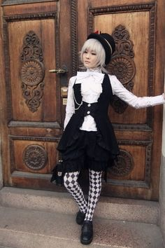 Japanese Victorian Kodona Fashion__ Kodona is based on the same era as Lolita style except that it focuses on boy's wear.