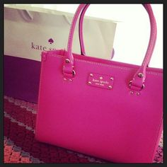 Kate Spade Handbags Friends & Family Is Now! Take 20% Off & Get Free Shipping.#KateSpadeHandbags