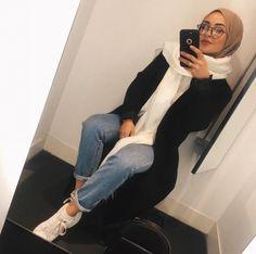 Modern Hijab Fashion, Street Hijab Fashion, Hijab Fashion Inspiration, Muslim Fashion, Fashion Outfits, Jeans Fashion, Modest Fashion, Simple Hijab, Hijab Casual
