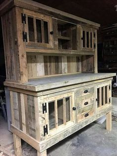 Gestalten Sie den Wohnbereich Ihres Hauses mit dieser umwerfenden Palettenholz-Show Design the living area of your home with this stunning pallet wood show … – Mobel Diy