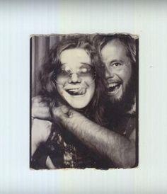 To David Niehaus, Janis Joplin was his girl from Ipanema. David Niehaus had no idea who Janis Joplin was when they met in 1970 on Ipanema beach in Brazil, wh. Janis Joplin, Samba, Annie Leibovitz Photos, Big Brother, Foto Poster, Set Me Free, Celebrity Portraits, Badass Women, Jimi Hendrix