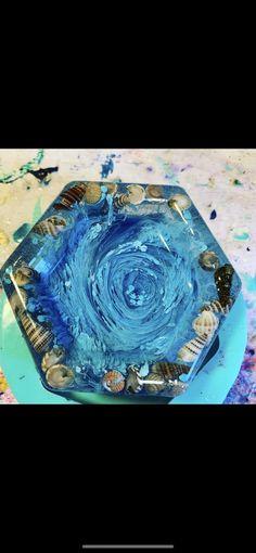 Resin seashell trinket dish Instagram @starracino44 Paintingsfromkeywest.com West Art, Bulb Flowers, Acrylic Pouring, Key West, Sea Shells, Coasters, Resin, Sweet Home, Alcohol