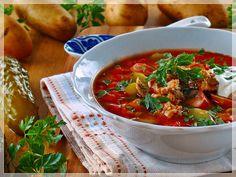 rosyjska solianka z mięsem i ziemniakami Chana Masala, Thai Red Curry, Ethnic Recipes, Kitchen, Food, Fine Dining, Cooking, Kitchens, Essen