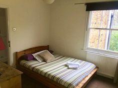 Dvojlôžková izba s manželskou posteľou