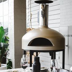 The Giotto Oven is a contemporary style, high-quality Australian-made portable pizza oven. The two year project of research and development has resulted in a high end design, and extremely functional wood fire oven. Best Outdoor Pizza Oven, Portable Pizza Oven, Wood Fired Oven, Wood Fired Pizza, Mobile Pizza Oven, Fire Pizza, Small Courtyards, Pizza Ovens, Wall Oven