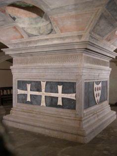 Tomb of Cosimo de'Medici (Cosimo the Elder), 1464-65 by Andrea del Verrocchio (1435-1488), commissioned by Piero de'Medici, in the Basement of the Basilica di San Lorenzo, Florence