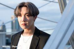 BTS' J-Hope at Brooklyn Bridge Park in New York by Naver x Dispatch. Jung Hoseok, Kim Namjoon, Kim Taehyung, Seokjin, Jung So Min, Gwangju, Billboard Music Awards, Hip Hop, Guinness