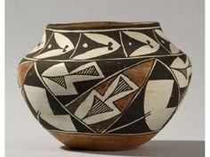 Acoma Pottery Jar 1961 Laguna New Mexico - Feb 2012 Native American Pottery, Native American Indians, Native Americans, Southwest Pottery, Southwest Decor, Ceramic Pottery, Pottery Art, Pueblo Pottery, Bubble Art