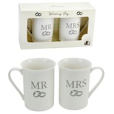 Wedding Day Mr & Mrs Mug Gift Set From the Amore gift range. This is a lovely gift set of 2 mugs, each mug has 2 entwined rings with a diamante. Wedding Gift Mugs, Special Wedding Gifts, Special Gifts, Mr Mrs Mugs, Wedding Honeymoons, China Mugs, Novelty Gifts, Simple Weddings, Gifts In A Mug