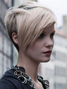 http://static.becomegorgeous.com/img/arts/2010/Nov/01/3080/short_haircut34.jpg