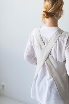 Sunday Suppers | Crossback Apron / Kitchen