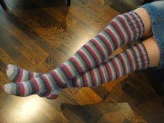 Vanuttunut Villasukka: Miehen kuin miehen viettelevät(?) polvenylisukat... Leg Warmers, Socks, Diy, Fashion, Leg Warmers Outfit, Moda, Bricolage, Fashion Styles, Sock