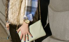 Miss Moore Style is transitioning into Spring with our #Fossil Sydney Top Zip Chain Crossbody. #fossilstyle
