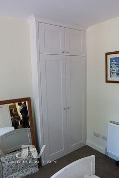 Fitted Wardrobes and other Built-in furniture best in London. We specialised in Fitted Bedrooms, Alcove Cupboards, bookshelves and other Fitted Furniture Mdf Furniture, Fitted Bedroom Furniture, Fitted Bedrooms, Kitchen Furniture, Luxury Furniture, Furniture Design, Alcove Cupboards, Built In Cupboards, Bedroom Cupboards